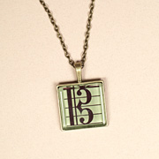 Large alto clef pendant - green
